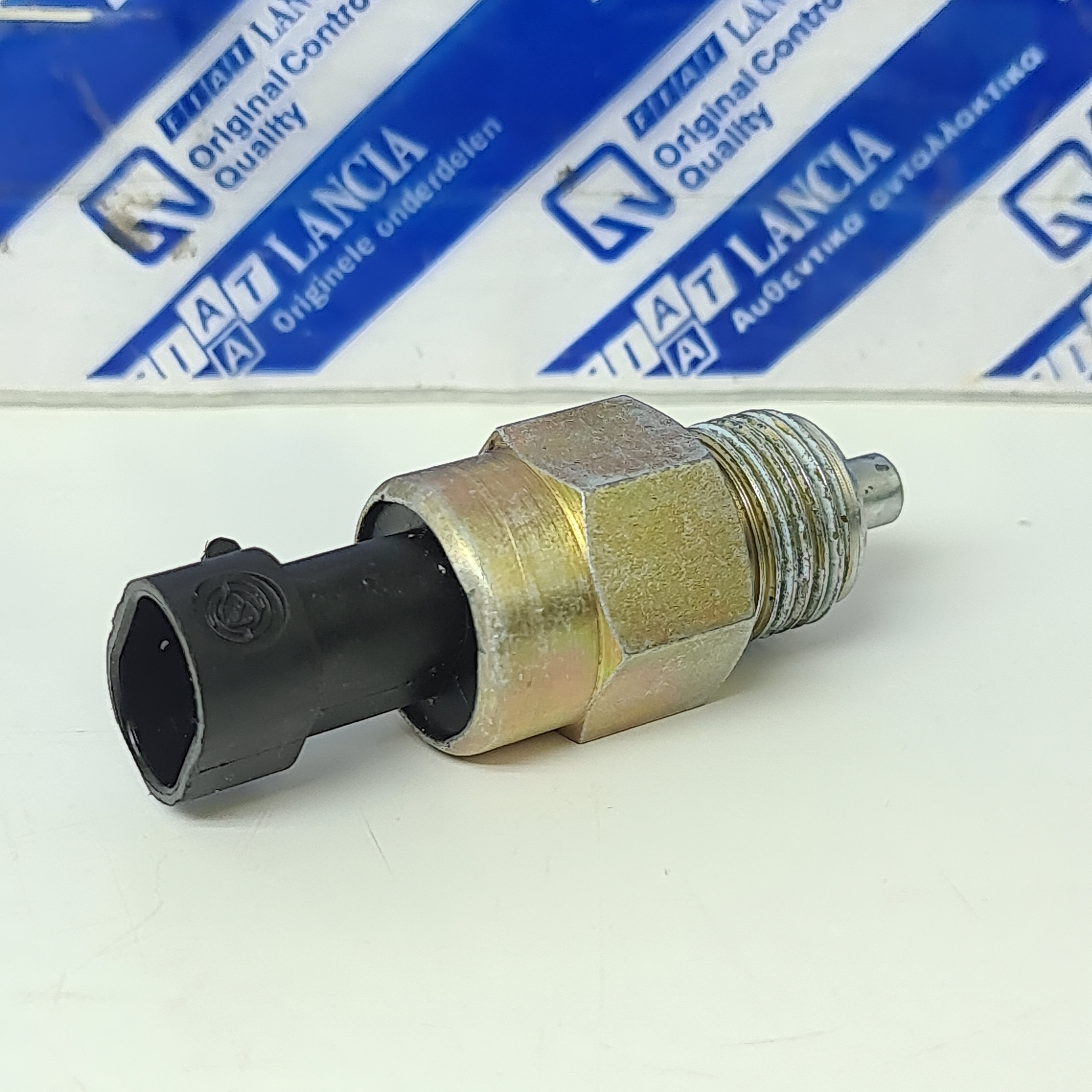 REVERSE LIGHT SWITCH ALFA ROMEO 145 - 146 - MITO ORIGINALE 55203408