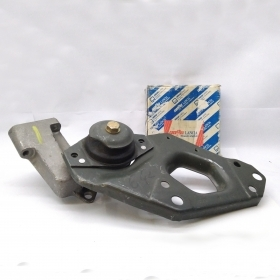 BRACKET FRONT ENGINE MOUNT FIAT PUNTO - LANCIA Y ORIGINAL 7793944