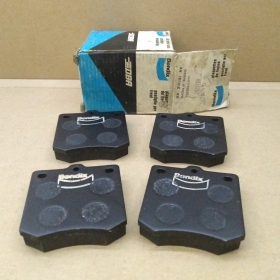BRAKE PADS KIT FRONT MAZDA 1000 - TOYOTA CROWN BENDIX FOR 082033625A
